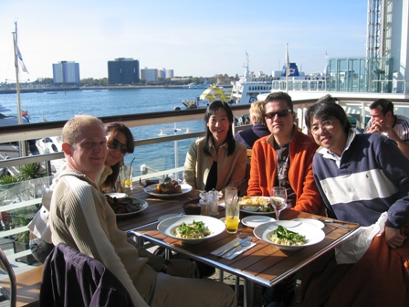 portsmith-Lunch_at_Gunwharf